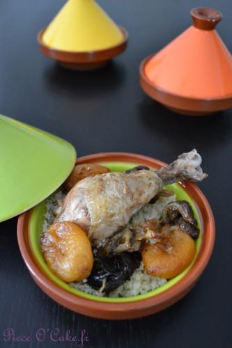 Tajine de poulet aux abricots et pruneaux